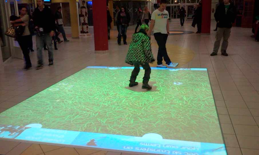 Shopping mall Čtyři dvory, interactive floor